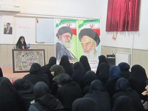 همایش دانش آموختگان در مدرسه علمیه خواهران الزهرا(س) شهرستان گراش