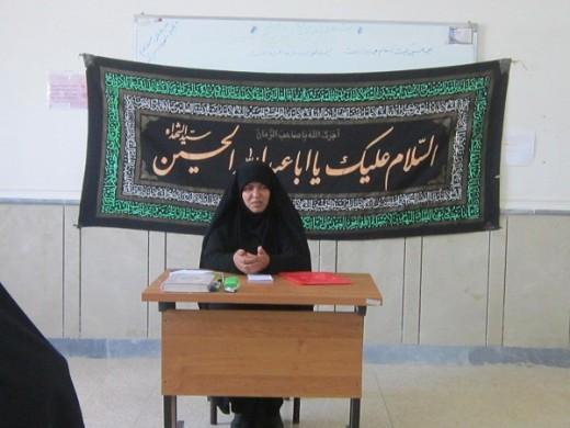 برگزاری جلسه اخلاق  با هدف آشنایی با مباحث ماه محرم با حضور  طلاب، در مدرسه علمیه خواهران الزهرا(س) گراش