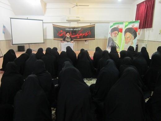 برگزاری نشست اخلاقی با هدف آشنایی با مباحث اخلاقی در مدرسه علمیه خواهران الزهرا(س) گراش