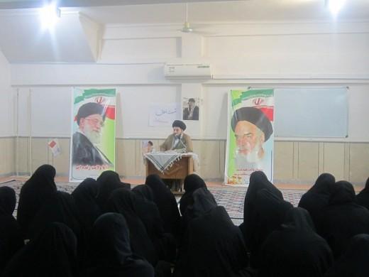 . نشست اخلاقی با موضوع وظایف منتظران در مدرسه علمیه خواهران الزهرا س گراش برگزار شد