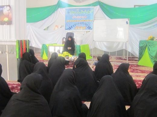 کلاسهای دُرّ و صدف با موضوع تاثیر روابط خویشاوندی بر گسترش روح در مدرسه علمیه خواهران الزهرا(س) شهرستان گراش