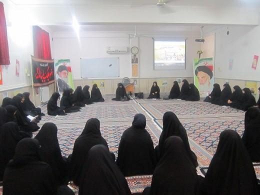 نشست بصیرتی با موضوع شناسایی جنود عقل و جهل در مدرسه علمیه الزهرا(س) گراش