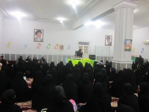 نشست اخلاقی با موضوع اهداف و کارکردهای خانواده از دیدگاه اسلام با حضور 200 نفر از اساتید، مسئولان، طلاب و عموم درمدرسه علمیه خواهران الزهرا(س) گراش