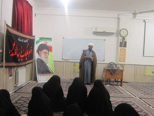 نشست سیاسی با موضوع احتکار در مدرسه علمیه الزهرا(س) گراش