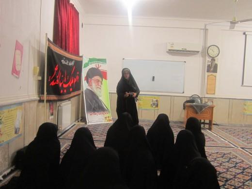 دوره اسلحه شناسی در مدرسه علمیه خواهران الزهرا(س) گراش